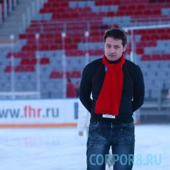 Максим Бобков — талантливый артист, певец, шоумен, композитор, автор шуток, продюсер и креативный ведущий